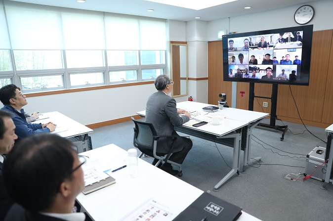 Video meeting with overseas branches