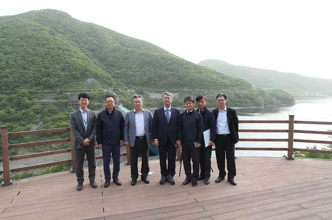 CEO inspects the Seomjingang Dam
